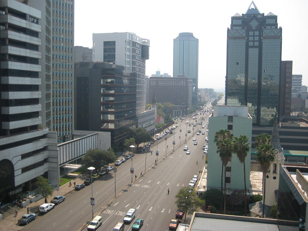 'Banks prioritising Harare firms on forex allocations'