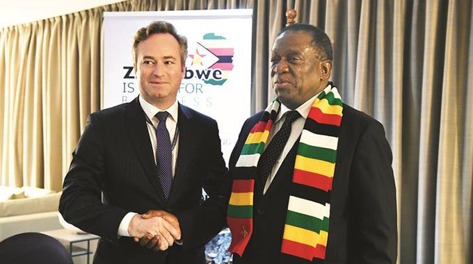 France wants EU to lift Zim sanctions