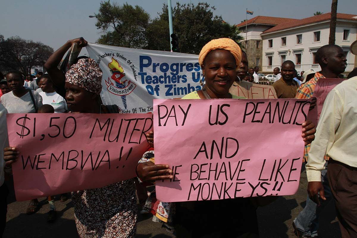 Zimbabwe civil servants brace for strike