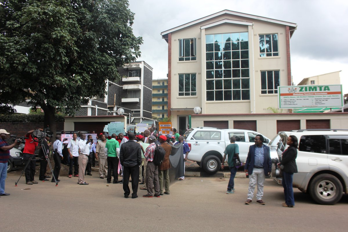 Teachers divided over strike